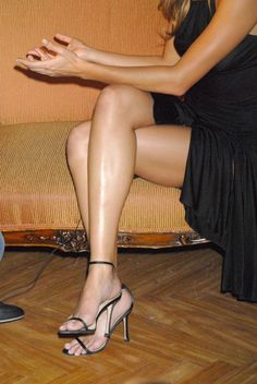 Gisele Bündchen's Feet << wikiFeet