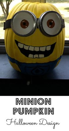 Minion Pumpkin Design - Debt Free Spending - - We have the most amazing minion pumpkin design for you for Halloween this year. If you love Despicable Me, then you will love this minion pumpkin design. Halloween This Year, Holidays Halloween, Fall Halloween, Halloween Crafts, Happy Halloween, Halloween Decorations, Halloween Party, Minion Halloween, Halloween Tutorial
