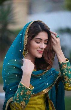 Simple Pakistani Dresses, Pakistani Girl, Pakistani Dress Design, Pakistani Actress, Pakistani Gowns, Pakistani Fashion Party Wear, Pakistani Wedding Outfits, Punjabi Fashion, Indian Fashion
