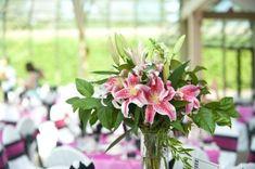 Consejos Para Cuidar Las Flores De La Boda.  Si bien es cierto que la decoración de una boda con flores naturales es muy hermosa y elegante, pero este tipo de decoración tiene una desventaja de que las flores se marchitan rápido, para que no tengas ... Ver más aquí: https://centrosdemesaparaboda.com/consejos-para-cuidar-las-flores-de-la-boda/