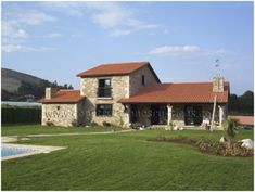 Casa rústica de piedra de planta y media de 4 dormitorios