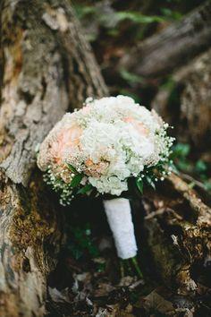 romantic bouquet // photo by Braun Photography // http://ruffledblog.com/cincinnati-summer-wedding