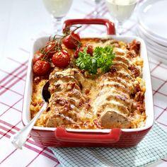 Fläskfilégratäng med chili och paprika Chili, Waffles, French Toast, Dinner Recipes, Meat, Chicken, Breakfast, Desserts, Food