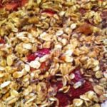 Rhubarb is one of the first flavours of Spring! Enjoy this quick and easy rhubarb crisp that is sure to please a crowd! Great Recipes, Snack Recipes, Snacks, Spelt Flour, Egg Free, Easy Desserts, Vegan Vegetarian, Food Print, Crisp