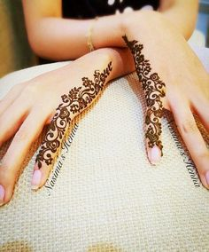 Check collection of 41 Mehndi Designs For Eid to Try This Year. Eid ul fitar 2020 includes mehndi designing, girls decorate their hands with mehndi designs. Henna Hand Designs, Eid Mehndi Designs, Henna Tattoo Designs Simple, Mehndi Designs For Beginners, Mehndi Design Photos, Mehndi Designs For Fingers, Beautiful Mehndi Design, Latest Mehndi Designs, Mehendi Designs For Kids