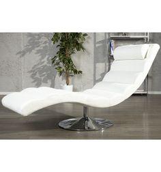 Fauteuil blancélégant et confortable. Conçue en cuir synthétique rembourré, rempli de polyuréthane et placé sur une base ronde chromé, sa forme ergonomique,...