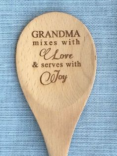 Personalized Gift for Grandma Wood Mixing Spoon Grandparents Gift Grammy Gift Wood Spoon Grandma Birthday Grandparents Gift from Kids Birthday Presents For Grandma, Diy Gifts For Grandma, Grandmother Birthday, Diy Mothers Day Gifts, Kids Birthday Gifts, Diy Gifts For Boyfriend, Grandparent Gifts, Birthday Diy, Grandma Gifts