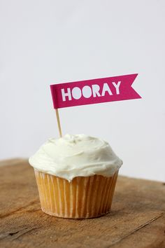 Free printable Hooray cupcake topper