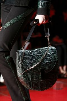 954cd6a2d6 The Emblematic GREEK – Versace Autumn – Winter 2015-16 Collection. Fashion  HandbagsFashion ...