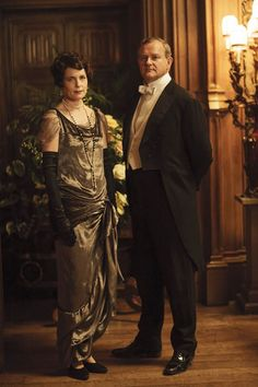 'The great thing about making Downton Abbey with ITV was that they let us get on with it. The BBC wouldn't have done that,' he said (pictured: Elizabeth McGovern and Hugh Bonneville as Lord and Lady Grantham) Downton Abbey Costumes, Downton Abbey Cast, Downton Abbey Fashion, Matthew Crawley, Robert Crawley, Hugh Bonneville, Elizabeth Mcgovern, Julian Fellowes, Photo Souvenir