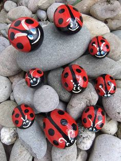 Set Of Three Ladybird Family Pebbles Abstract Painting Techniques, Pebble Painting, Dot Painting, Pebble Art, Stone Painting, Hobbies And Crafts, Diy And Crafts, Arts And Crafts, Kids Decor