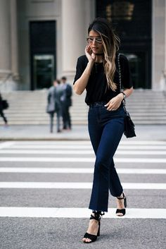 0e74e10a Chic all black outfit Denim Outfit, Flare Jeans Outfit, Jean Outfits,  Fashion Outfits
