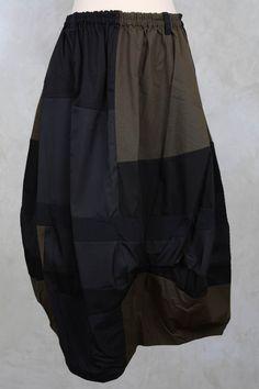Mixed Fabric Skirt in Black - Moyuru