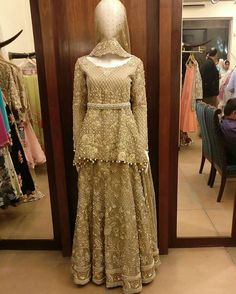 We've got our eye on this beautiful gold peplum bridal by #DeepakPerwani