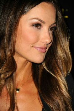 Minka Kelly Minka Kelly Hair, Minka Kelly Makeup, Corte Y Color, Beautiful Hair Color, Hair Affair, Ombre Hair, Trendy Hairstyles, Pretty Face, Hair Inspiration