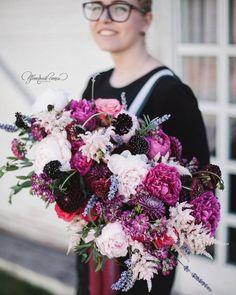 Wedding bouquet  Лавандово-ягодное. Букет невесты от @floral_style @art_petrov  Организатор @nastya_wedda