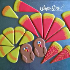 Sugar Cookies with Royal Icing - Turkey Platter For my November cookie decorating party, I decided to do a turkey platter. The party wil. Pumpkin Sugar Cookies, Turkey Cookies, Fall Cookies, Christmas Sugar Cookies, Iced Cookies, Royal Icing Cookies, Cookie Desserts, Holiday Cookies, Cupcake Cookies