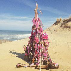 Dag 77: wat je zoal tegenkomt #100daysof_summer #kunst #afval #art #beach #strand #lepinsec #france #medoc
