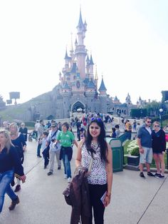 The Sleeping Beauty's Castle existed only in my books. I saw it real, I'm back to my dreams.