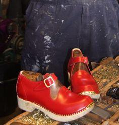 392866d9fc626e The Blodwen Leather Clog