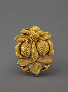 Yuan Dynasty gold hairpin