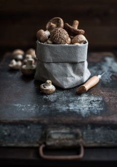 magazine spread still life of foods and grains on wood, stone, burlap slate metal Food Design, Mushroom Broth, Dark Food Photography, Photography Tips, Gula, Fruit And Veg, Raw Food Recipes, Food Pictures, Travel Pictures