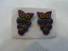 Brinco Coruja Colorido Material: Cerâmica Plástica R$ 24,00  www.elo7.com.br/dixiearte