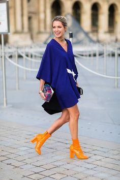 See the Best Street Style From Paris Fashion Week - Social Media Collections Fashion Mode, Look Fashion, Korean Fashion, Autumn Fashion, Fashion Outfits, Womens Fashion, Fashion Tips, Fashion Design, Fashion Trends