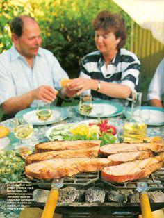 Träkolshalstrad gravlax med varm potatissallad i senapsdressing 1