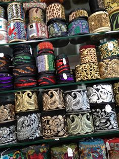 El blog de Georgina: Estamos aquí.... Diy Fabric Jewellery, Textile Jewelry, Burgundy Bag, Vintage Borders, Sleeves Designs For Dresses, Tailor Shop, Bead Embroidery Patterns, Woven Belt, Sewing Lessons