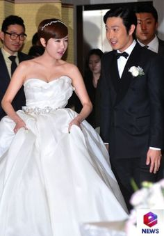 haha wedding pictures   GO AH RA AND LEE YEON HEE JOIN IN RUNNING MAN EP.1...