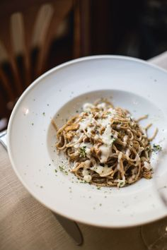 Spelt spaghetti with chanterelles and a cream of aged Parmesan, crumbly, dry and full of intense flavour. This cream is a useful sauce for all sorts of dishes.