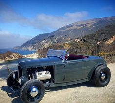 The View #fuel32 @minnesotagarrett See more on Fuel32.com Now Featured - Darryl Hollenbeck Click link in bio #32ford #highboy #deuce #coupe #hamb #ford #1932 #vintagecar #hopuplive #streetrod #hotrod #sema #trog #customcar #5window #3window #roadster #modela #gnrs2017 #traditionalhotrod #roddersjournal #livingthehighboylife #salinasboys #flathead #allsteel #jalopyjournal
