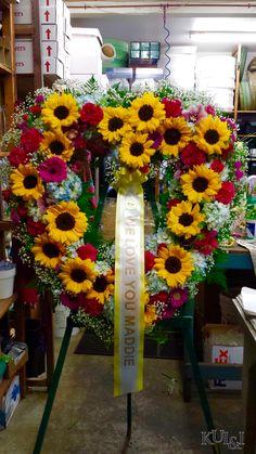 Sunflower Heart Funeral Wreath kuiandiflorist.com #kuiandi