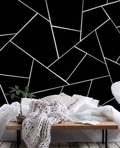 Black Painted Walls, White Wall Paint, Black Walls, Creative Wall Painting, Wall Painting Decor, Bedroom Wall Designs, Accent Wall Bedroom, Black And White Wallpaper, Black White