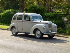 1952 ford prefect Maintenance/restoration of old/vintage vehicles: the… Ford Motor Company, Classic Motors, Classic Cars, Vintage Cars, Antique Cars, Veteran Car, Old Fords, Us Cars, Car Ford