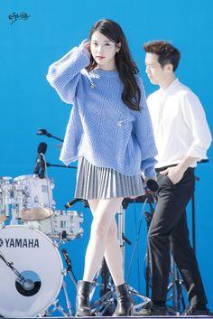 Iu Fashion, Kpop Fashion Outfits, Stage Outfits, Korean Fashion, Autumn Fashion, Fashion Design, Anime Outfits, Korean Celebrities, Korean Actors