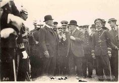 En 1908 el General Porfirio Díaz recibe explicaciones del General González Cosio.