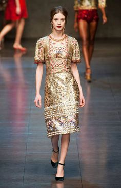 Dolce and Gabbana Fall 2013 Ready To Wear Collection