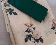 Saree Blouse Patterns, Saree Blouse Designs, Floral Print Sarees, Floral Prints, Off White Saree, Embroidery Suits Design, Organza Saree, Stylish Sarees, Soft Silk Sarees