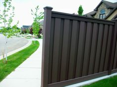 Woodland Brown, one of our most popular colors next to saddle! Components are over pigmented so that when they are start fading in the color It fades to a more natural rich color instead of a really faded and empty color. Another reason why Trex is preferred. #TrexFencing #CompositeFencing #WoodlandBrown #FadesNaturally #BestFenceAround Trex Fencing, Composite Fencing, Fence, Popular Colors, Empty, Woodland, Natural, Brown, Outdoor Decor