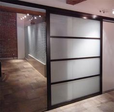 Slide door with a modern use of the shoji screen