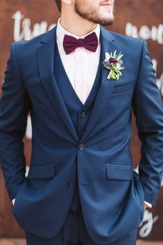 Top 8 Striking Navy Blue Wedding Color Palettes for 2019 Fall---navy and burgundy, wedding groom suit with tie and boutonniere, Costume Marie Bleu, Groomsmen Colours, Groomsmen Attire Navy, Blue Suit Groom, Fall Groom Attire, Groom Outfit, Suit Vs Tuxedo, Bow Tie Groom, Mens Groom Suit