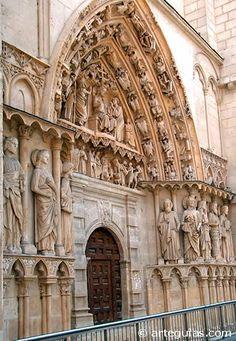 Puerta de la Coronería, joya de la escultura gótica castellana. Catedral de Burgos