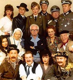 'Allo 'Allo (1982-1992) British Tv Comedies, Classic Comedies, British Comedy, British Actors, Comedy Series, Comedy Tv, Classic Tv, Classic Films, Funny Sitcoms