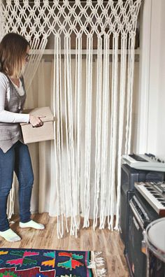 30 Lovely Macrame DIY Crafts Macrame is back and is very popular these days. If you are into crafting and creative diy stuff then this is something new and interesting to be done. Macrame Projects, Diy Projects, Curtains For Closet Doors, Hang Curtains, Kitchen Curtains, French Curtains, Brown Curtains, Ikea Curtains, Nursery Curtains