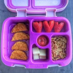Yesterday's lunchbox was a fun attempt to play with shapes: heart strawberries, half moon chicken nuggets, square/rectangle cheese, circle cereal, and ketchup  #healthyfood #healthylunch #lunchbox #easylunchbox #rockthelunchbox #healthylunchbox #todayparents #buzzfeast #buzzfeedparents #mommyblogger #holleygraingernutrition #igpslove #graingergirls #packedlunch #toddlerlunch #preschool #bentgo #kidfood @specialkus @castrawberries #birminghamblogger  via ✨ @padgram ✨(http://dl.padgram.com)
