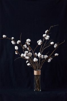 DIY Cotton Plant Centerpiece #InteriorDecorInspiration #CraftIdeas