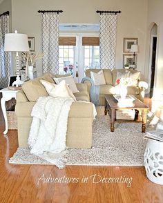 Tan and white living room Love the curtains and splashes of light blue. This is beautiful. This is how I want my living room to look! Cozy Living Rooms, My Living Room, Home And Living, Living Room Decor, Living Spaces, Living Room Ideas Tan Couch, Living Room Inspiration, Home Decor Inspiration, Curtain Inspiration