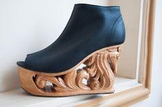 Horse Wood Carved Platform